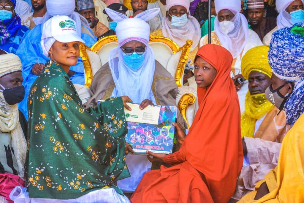 Kaduna: Gidauniyar Sarauniya Girls Child Foundation ta bayarda tallafi wa Marayu da marasa Galihu 450.